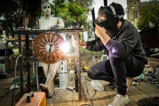 Mauro Casagrande y su pasión por convertir desechos en arte