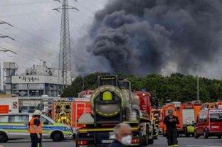 Al menos un muerto y cuatro desaparecidos por la explosión en una planta química en Alemania