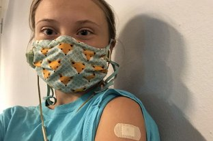 """Greta Thunberg denunció la """"distribución desigual de vacunas"""" al recibir la primera dosis"""