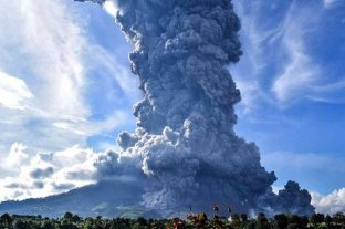 Entró en erupción el volcán Sinabung de Indonesia