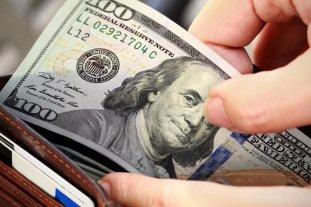 """El dólar """"blue"""" baja a $ 180"""