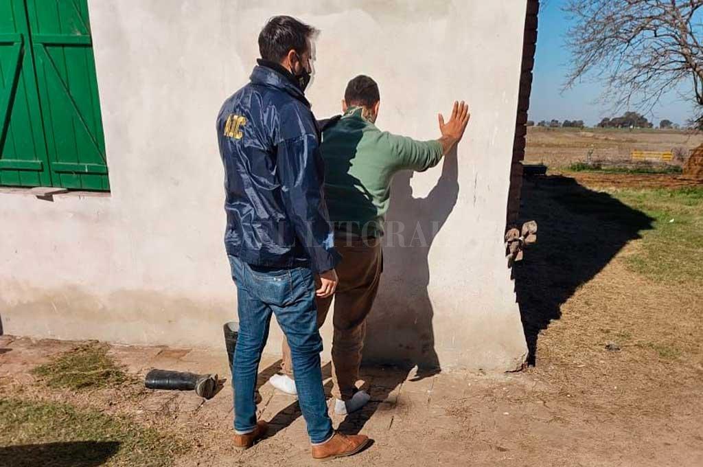 Efectivos de la AIC de Esperanza detuvieron a Carnero en su casa, ubicada en un campo de Colonia Rivadavia. Crédito: El Litoral