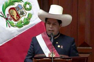 Pedro Castillo asumió como presidente de Perú