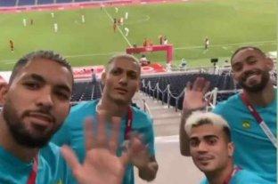 Argentina quedó eliminada en fútbol y jugadores de Brasil se burlaron en las redes