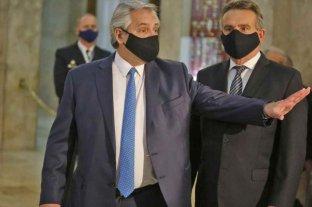 El presidente confirmó que Agustín Rossi deberá dejar el Ministerio de Defensa para participar de las PASO