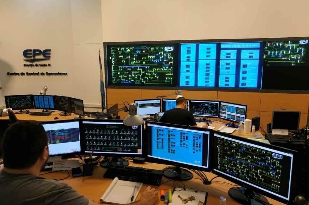 El Centro de Control de Operaciones centraliza labores desde Rosario, para dar respuestas en tiempo real.   Crédito: Gentileza Epe.