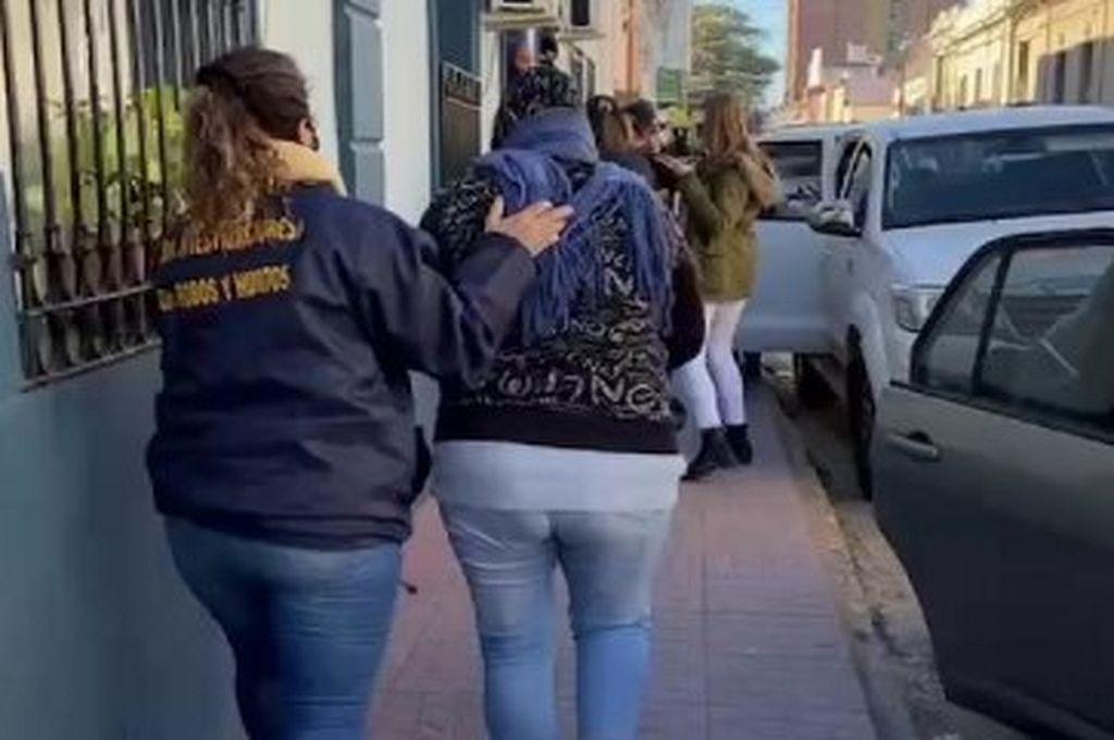Paraná: detuvieron a ocho integrantes de una banda que cometía sextorsión, robos y estafas -  -