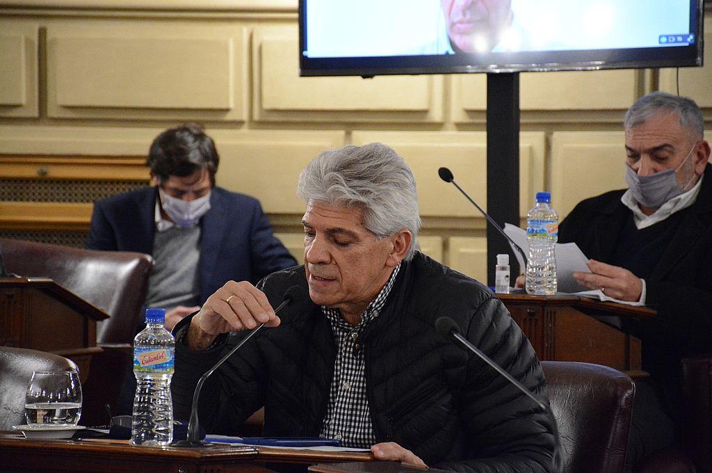 Luis Rodrigo  politica@ellitoral.com  El senador José Baucero (PJ-Nes-San Javier) logró los dos tercios de la Cámara alta para el tratamiento sobre tablas y la aprobación de su proyecto.  Crédito: Gentileza Cámara de Senadores