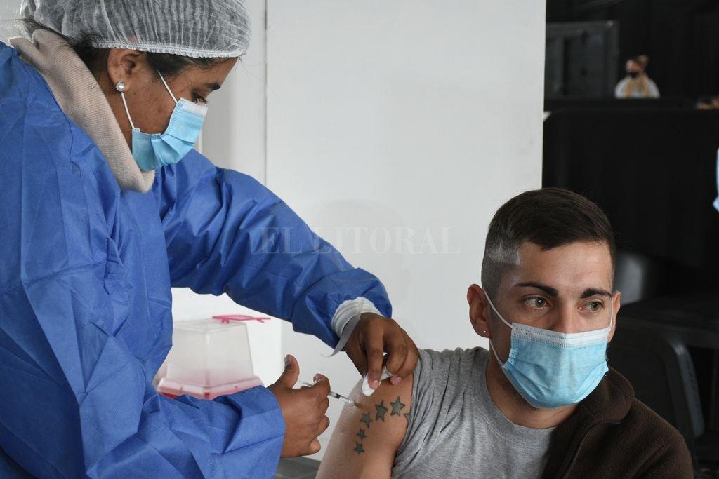 Vacuna Covid: En Santa Fe hay 123 localidades con, al menos, una dosis -  -