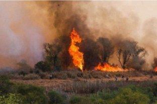 Continúan activos dos focos de incendio en la provincia de Entre Ríos