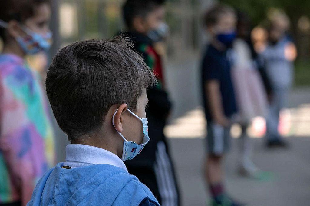 Hay 13 mil menores huérfanos en la Argentina por la pandemia -  -