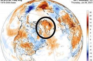 """Ola de calor genera derretimiento """"masivo"""" de capa de hielo en Groenlandia"""