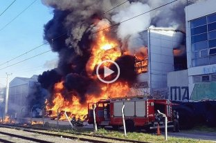 Video: se incendió la planta de la cervecería Quilmes -