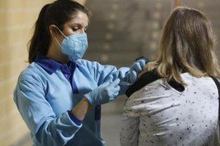 Córdoba analiza aplicar anualmente la vacuna contra el Covid