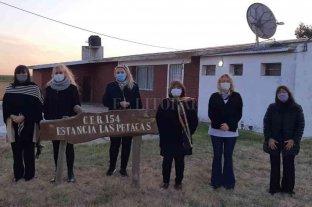 Berra entregó fondos a escuelas del departamento San Martín