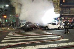 Video: chocó, mató, se prendió fuego su auto y escapó En Flores