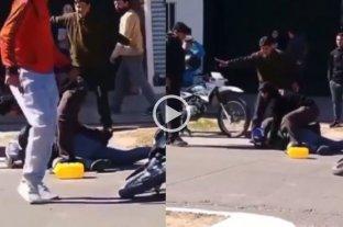 Video: vecinos lincharon a un motochorro tras un intento de robo en Corrientes -  -