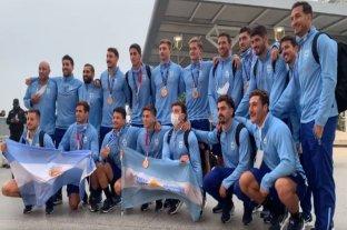 Los Pumas 7s llegaron al país luciendo la medalla de bronce