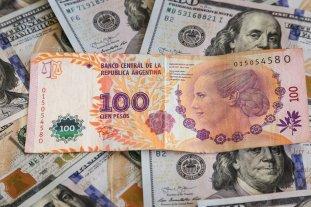 """El dólar oficial abre estable este martes y el """"blue"""" se vende a $ 180,50"""