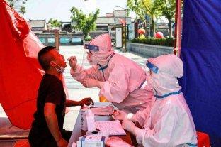 China aisló a una ciudad y se agrava su rebrote de coronavirus