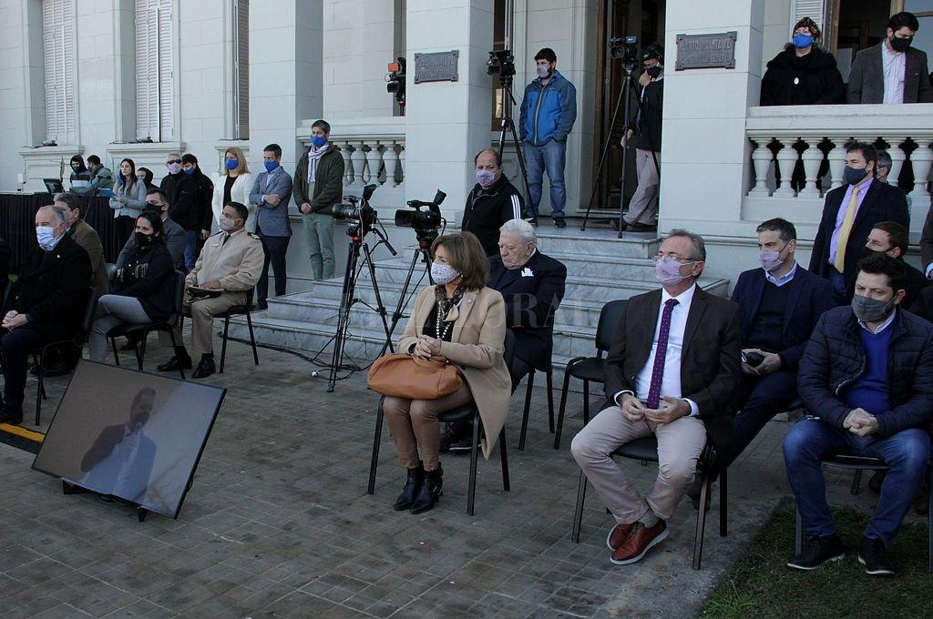 Arese, Lojo, Frana y Costamagna durante el acto realizado en la terminal local. Crédito: Gobierno de la Provincia