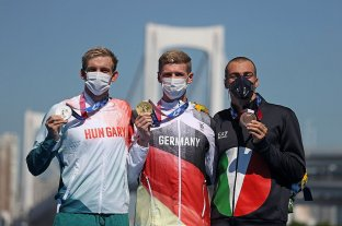 El alemán Florian Wellbrock ganó el oro en aguas abiertas