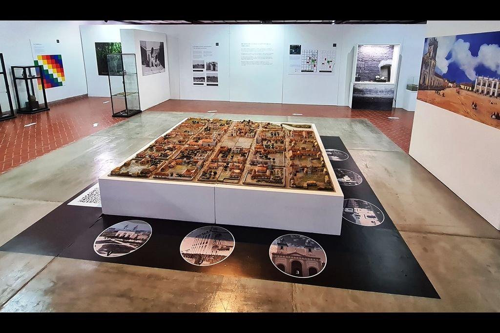 El desarrollo del guion museográfico, el diseño y el montaje de la exhibición fueron llevados a cabo exclusivamente por el personal del museo Etnográfico y Colonial. Crédito: Gentileza Museo