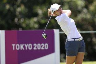 Golf: la argentina Simmermacher mejoró su marca en la segunda vuelta