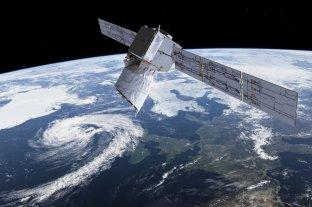 SpaceX tiene listo un satélite para proyectar anuncios en el espacio
