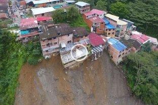 """Videos: vecinos registraron el momento en que un deslave se """"llevaba"""" sus casas en Colombia"""