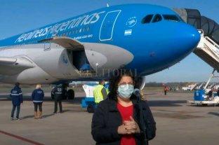 Vizzotti volvió de Rusia con vacunas y anuncios de más dosis