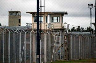 """Funcionario penitenciario """"muda""""  su oficina a la cárcel de Piñero"""