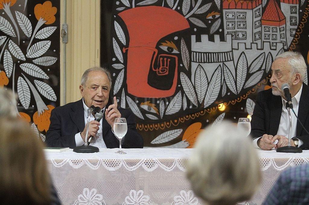 Cocho Paolantonio y Oscar Degregori en la presentación del libro