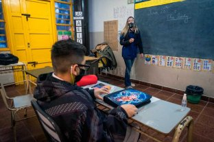 Presencialidad plena en Santa Fe: clases en galerías, patios y más recreos