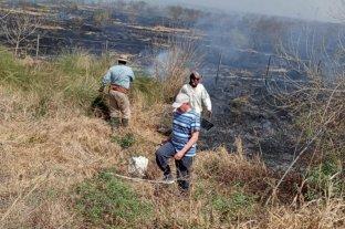 Incendios en el norte de Santa Fe: los productores combatieron el fuego