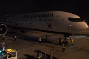 Llegaron a Argentina más de 1,6 millón de dosis de AstraZeneca en un vuelo de Air Canadá