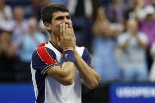Carlos Alcaraz hizo historia: el joven de 18 años venció al 3 del mundo y avanzó a octavos de final