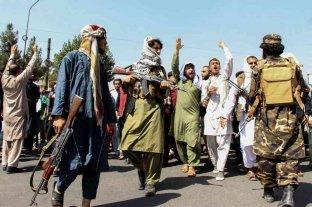Conflicto en Afganistan: talibanes reprimieron protestas en apoyo a la resistencia