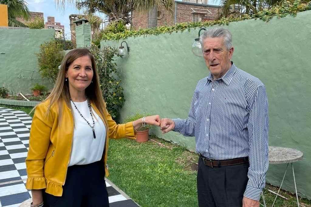 Para dialogar sobre cuestiones de seguridad para la ciudad, Marcela Aeberhard se reunió con el distinguido ex Juez Dr. José Manuel García Porta, especialista en la materia.      Crédito: Gentileza