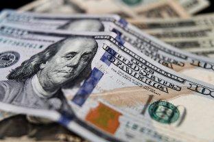 """El dólar oficial abrió estable este viernes y el """"blue"""" cotiza a $ 185"""