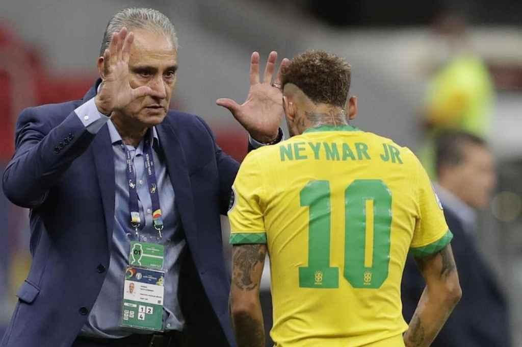 De diez. Tite y Neymar, los estrategas afuera y adentro del campo de juego de Brasil, que desea continuar como líder de las Eliminatorias.    Crédito: Gentileza