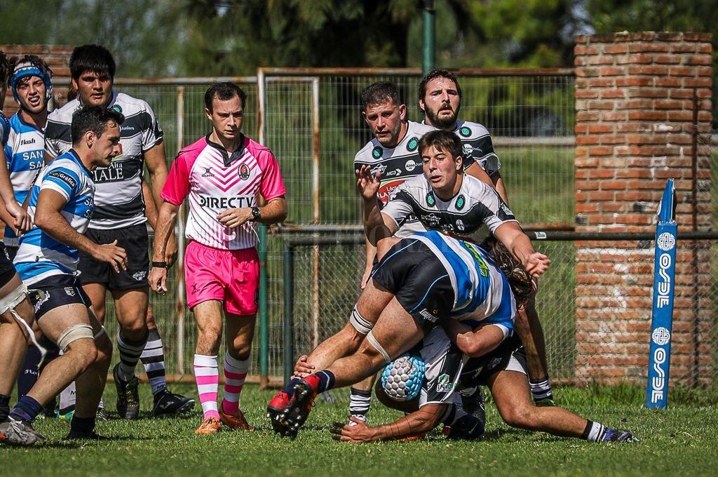 Facundo Gorla, árbitro de SFRC, tendrá su debut como réferi de Primera División en la final entre CRAI y CAE.  Crédito: Gentileza Franco Perego / Rugby Click