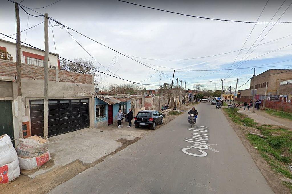 El ataque se produjo en Cullen al 1100 Bis, en el barrio Empalme Graneros de Rosario. Crédito: Captura digital - Google Maps Streetview
