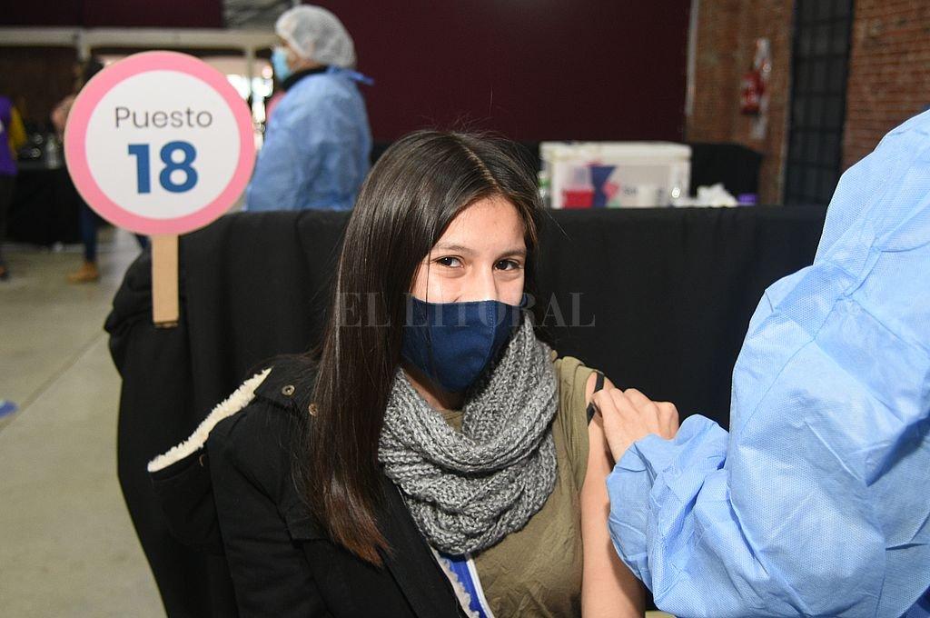 Hace más de diez días que se está otorgando un promedio de 45 mil turnos diarios para ser inoculado contra el coronavirus, informó la cartera sanitaria. Crédito: Flavio Raina
