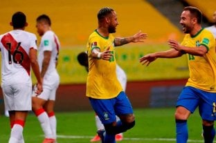 Brasil derrotó a Perú y continúa en la cima de la tabla de las eliminatorias