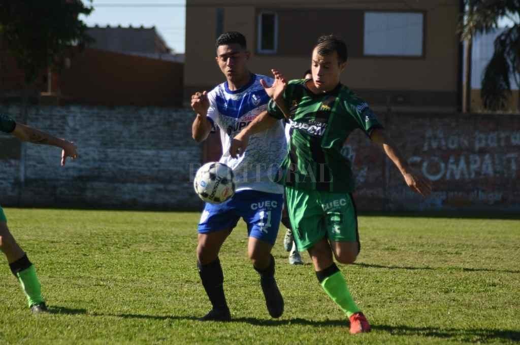Loyola derrotó al Deportivo Agua en uno de los partidos que tuvo esta fecha del torneo de ascenso.   Crédito: Luis Cetraro