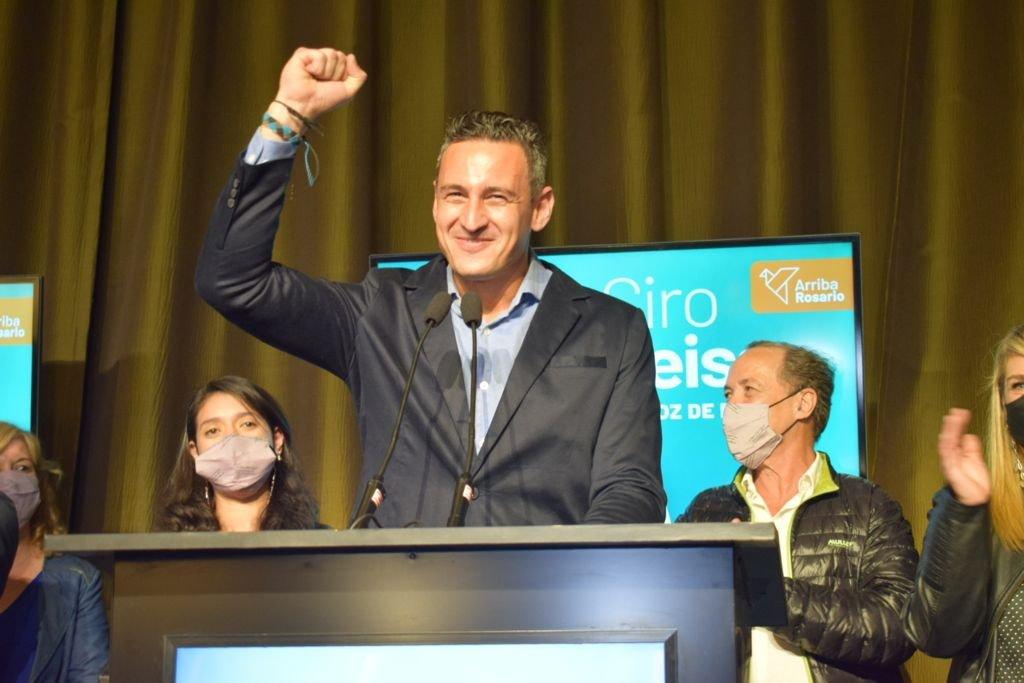 Ciro Seisas festejó ser el precandidato más votado en Rosario. Foto:Marcelo Manera.