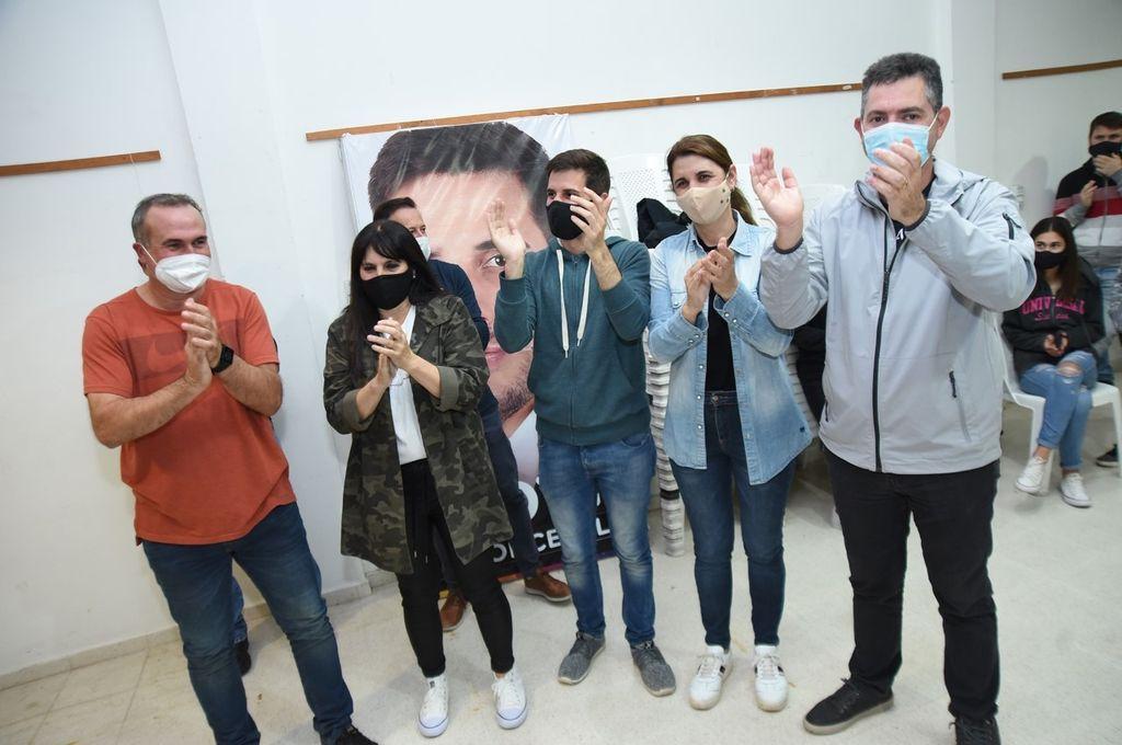 LA LISTA MAS VOTADA. En la sede de Juntos por el Cambio todo era alegría para Viotti, Sagardoy, Mondino y Bottero entre otros.  Crédito: M. Liotta