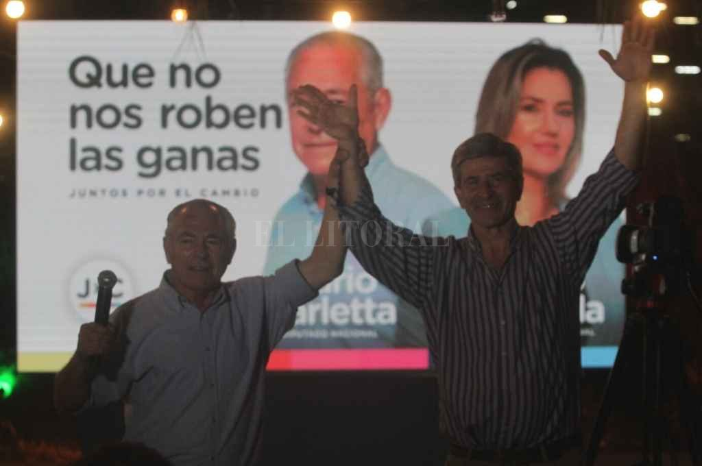 Barletta festejó en Santa Fe junto a Hugo Marcucci.   Crédito: Mauricio Garín