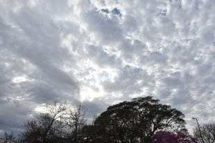 Lunes caluroso y con nubes en la ciudad de Santa Fe